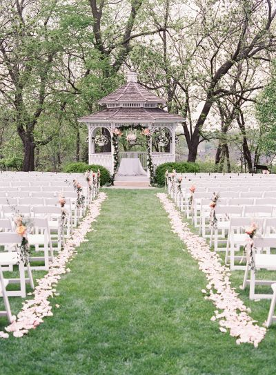 A ceremony at the gazebo: http://www.stylemepretty.com/2016/05/16/planning-a-gilmore-girls-inspired-wedding-here-are-10-must-have-details/