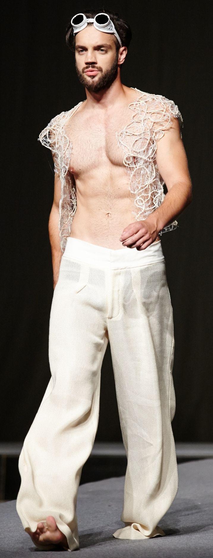 #textures #fabricsmorphology #male #model #artittude #catwalk #fashionshow #galamodauvt