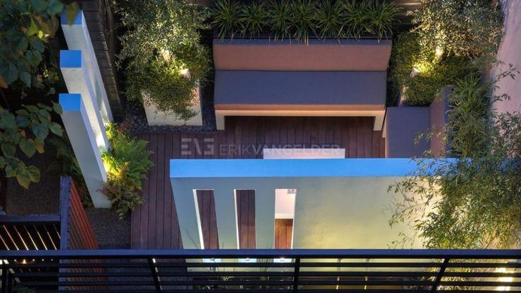 Vind afbeeldingen van moderne Tuin: Ontwerp van kleine stadstuin <50m2. Ontdek de mooiste foto's & inspiratie en creëer uw droomhuis.
