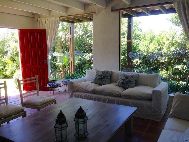 Échale un vistazo a este increíble alojamiento de Airbnb: Casa a una cuadra de la playa - Casas en alquiler en Balneario Buenos Aires