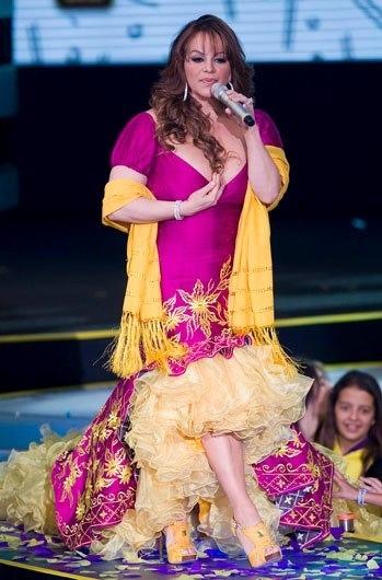 Jenni Rivera pink dress