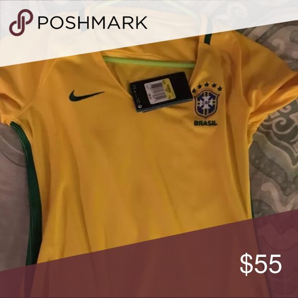 Brazil women soccer jersey side small New with tags Other