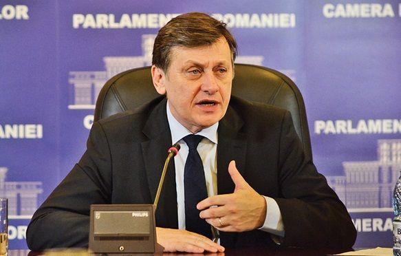 Crin Antonescu, presedintele PNL, a declarat, marti seara in timpul emisiunii Jocuri de Putere de la Realitatea Tv, ca nu este prieten cu Traian Basescu, drept raspuns afirmatiei lui Victor Ponta, car