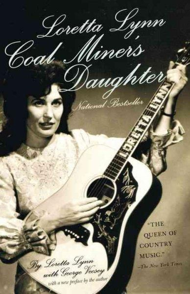 Loretta Lynns classic memoir tells the story of her early life in Butcher Holler, Kentucky, and her amazing rise to the top of the music industry. Born into deep poverty, married at thirteen, mother o