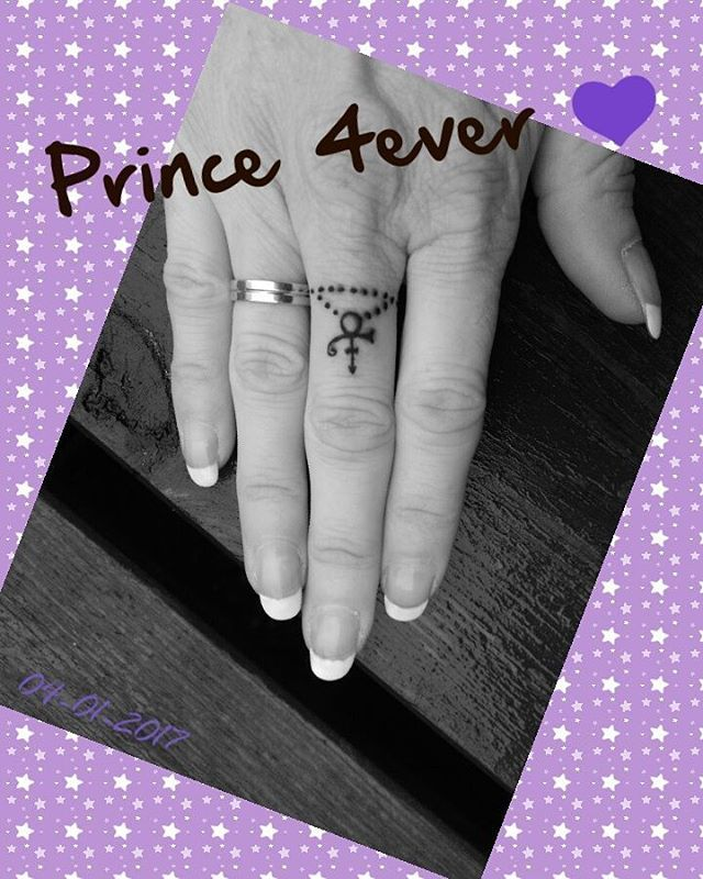 LVE my new tattoo #prince4ever #prince #tattoo #fingertattoo #princetattoo #inked #foreverinmylife #neverforgetyou