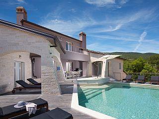 Exklusive 5 * Villa für 8 in ruhiger Lage mit beheiztem Pool   Ferienhaus in Labin