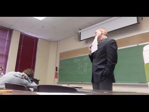 Op zoek naar beleid omtrent mobieltjes in de klas? Deze Amerikaans docent dacht een goede methode te hebben :-)