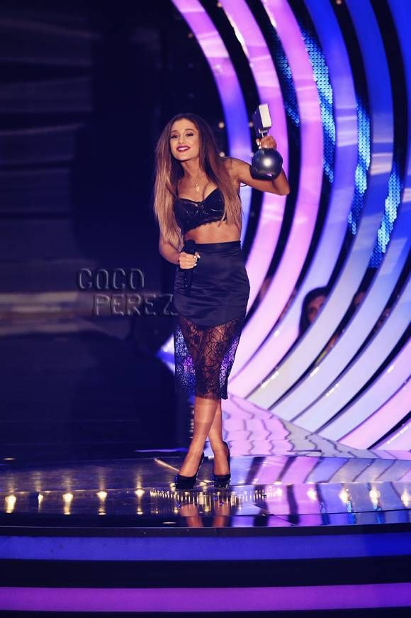 Ariana Grande Picks Up Her Second EMA Tonight In A Tiny Bra Top! HAWT!