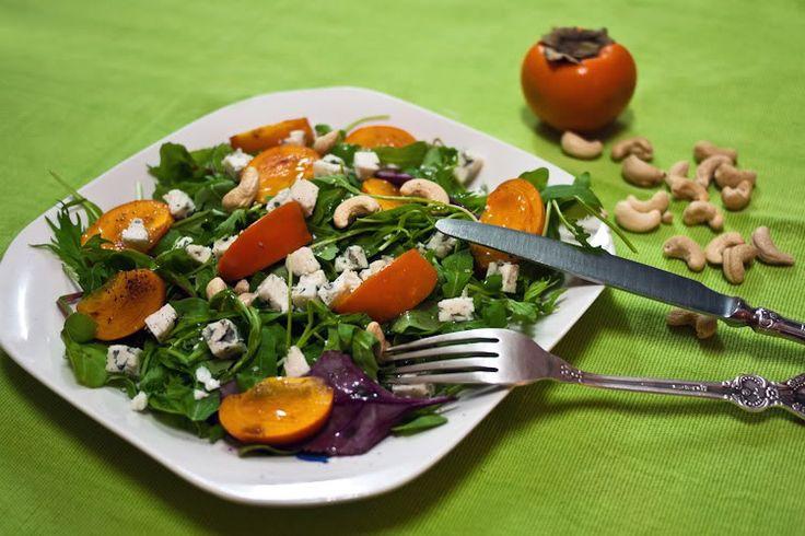Салат с сыром с плесенью и виноградом
