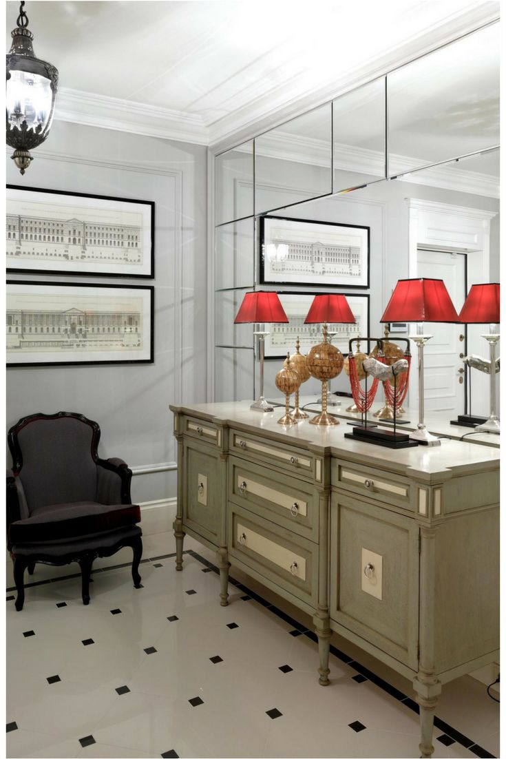 7 reasons why you should always trust your instincts and embrace your design ideas! This small entrance hall is made to look larger with the additional of a full wall mirror.