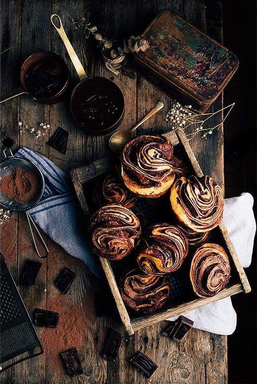 Chocolate Brioche Recipe: fresh yeast, milk, eggs, sugar, flour, salt, butter, chocolate, sugar, cocoa powder and egg whites. (need Google Translate for recipe in English)
