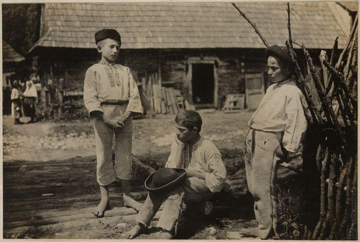 karel plicka   Karel Plicka: Chlapci z Fačkova - Trenčín:1928