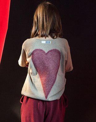 Cuore #Cuculab online su www.cocochic.it  maglione http://www.cocochic.it/it/bambina/1033-maglione-in-lana-con-cuore.html pantaloni http://www.cocochic.it/it/bambino/1029-pantaloni-prugna.html