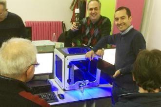 Volontariato e studenti insieme per un corso in 3D
