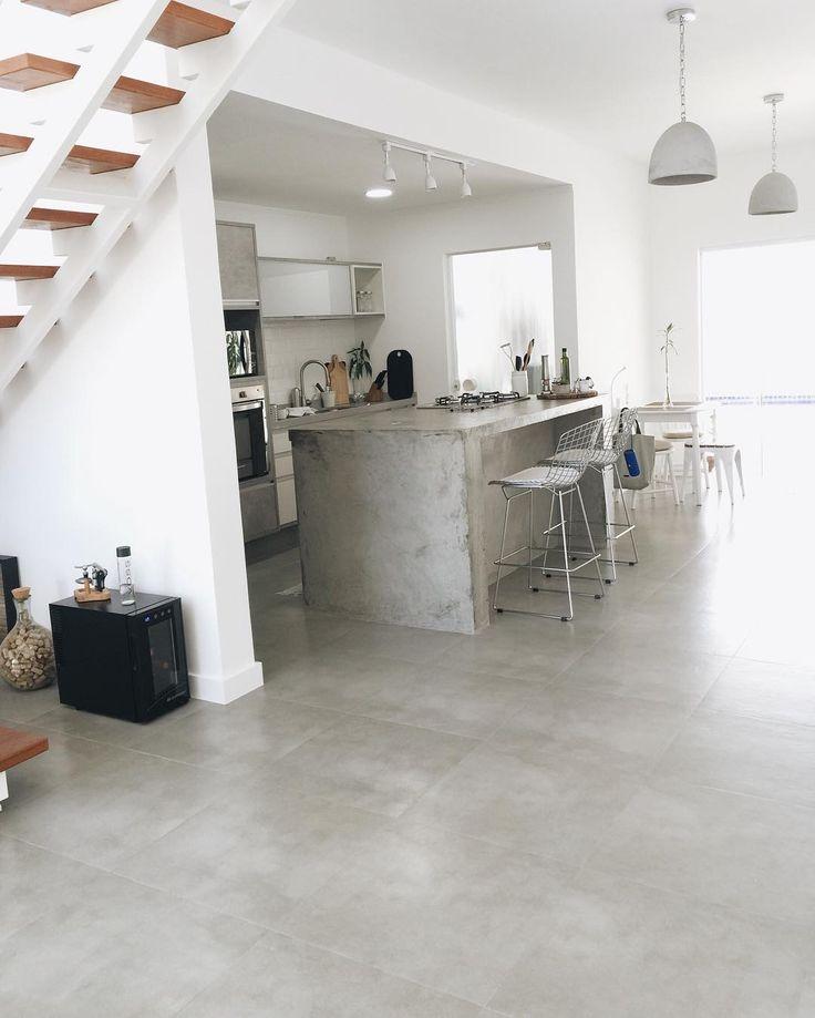 Porcelanato Bauhaus Cement 60x60, da @portobello_sa 60 x 60 x 1 cm https://www.portobello.com.br/produtos/porcelanato-revestimento-ceramico/bauhaus/cement-60X60-nat