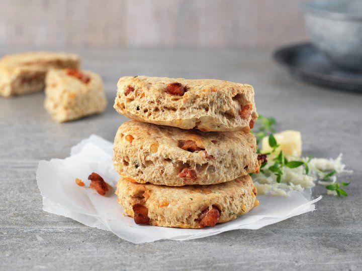 Grove scones med bacon