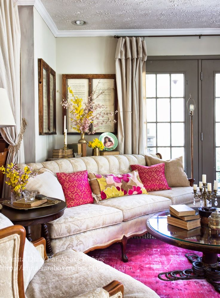 Gorgeous spring living room with hot pink and citrine!