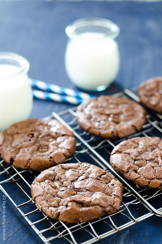 čokoládové { brownie } cookies