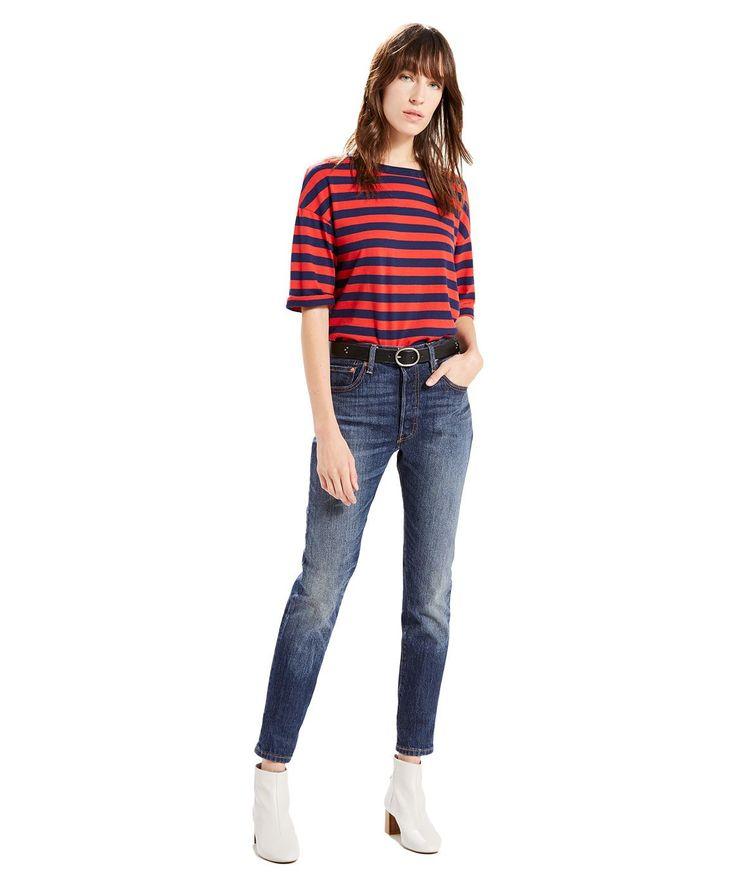 ❤ Levi's 501 Damen - Skinny Fit - Supercharger ❤  In dieser Saison sind wir ganz auf Skinny Jeans eingestellt. Klassisch und frech zugleich: Freu dich auf einen lässigen Look, der deine Beine betont. Die Levi's Jeans sitzt etwas unterhalb der Taille. Hüfte und Oberschenkel sind normal geschnitten, das Bein eng. Mehr auf unserer Produktseite!