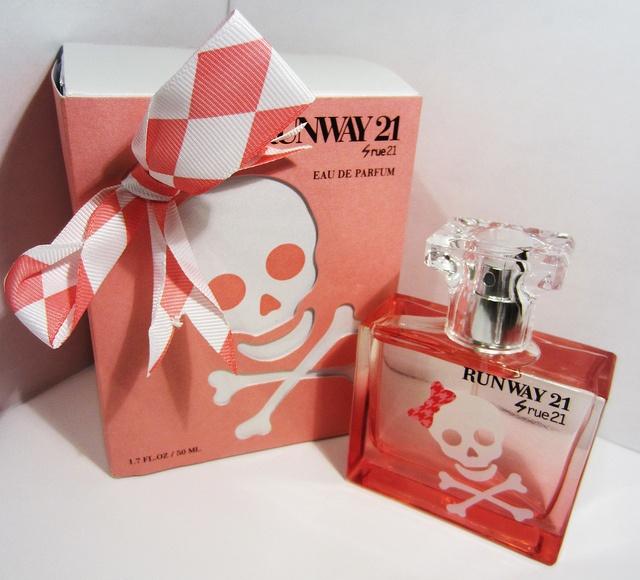 28 Best Skull Perfume Bottles Images On Pinterest