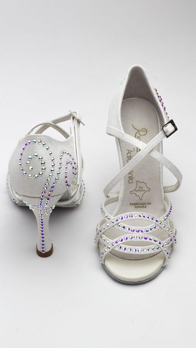 ❤️ Próximamente a la venta online!!!   Puedes comprarlos en nuestras tiendas oficiales de Zapatos Manuel Reina - Madrid y Zapatos Manuel Reina - Barcelona!! #QueBonitosPorFavor #AmiMeDaAlgo #MisZapatosSonHermosos #HechosaMano #SoloMios #PasionPorLaModa #ElArmarioDeMiVida #ZapatosUnicos #AnitaPearl #ZapatosReina #LaReinaDeMiArmario #musthave #dance #dancers #danceshoes #sandalias #custom #ilovedance #sandals #fashion #moda #style #salsa #rumba #essentials
