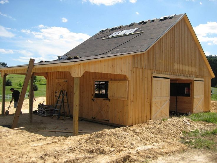 25 best ideas about small barn plans on pinterest small for Horse stable plans with living quarters