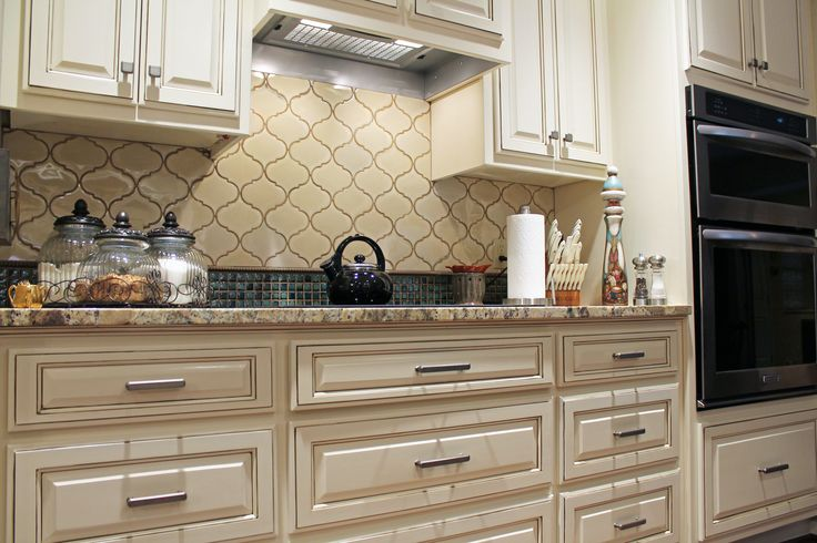 Traditional kitchen ideas white cabinets arabesque backsplash tile with 1x1 turquoise mosaic - Traditional kitchen tile backsplash ideas ...