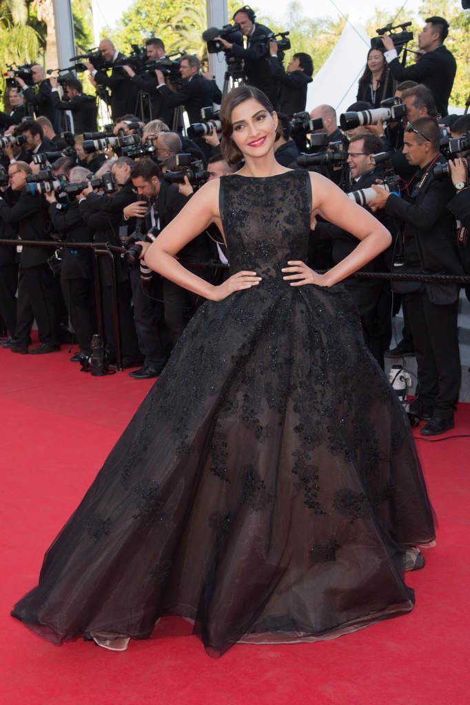 Sonam Kapoor wears ELIE SAAB Haute Couture Spring Summer 2014 for 'The Homesman' premiere at the 67th Cannes Film Festival.