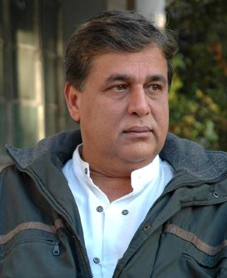 Hasnat Khan – older, larger but still Mr Wonderful