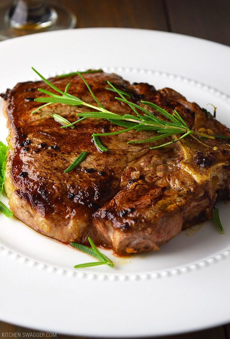 T-Bone Steak with Garlic and Rosemary Recipe