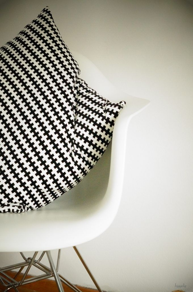 Fundstücke Bei IKEA Kissen Ray And Charles Eames Vitra Stuhl