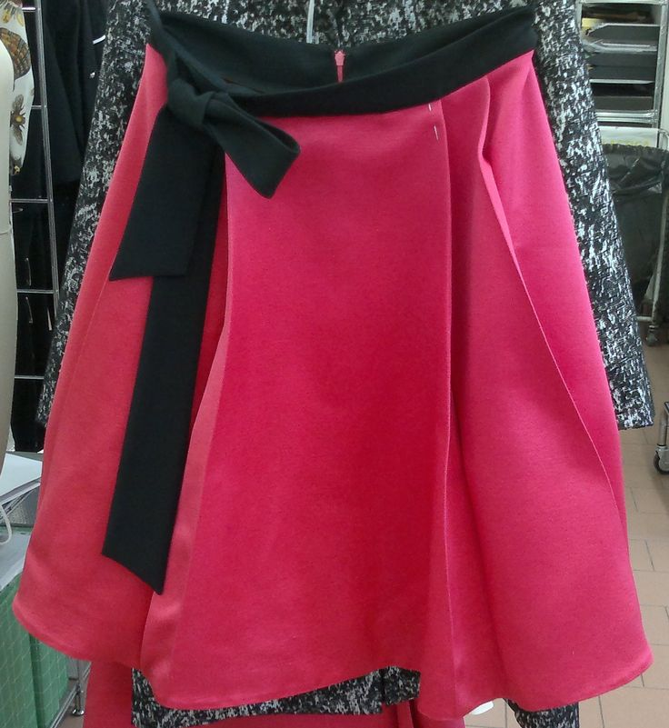 cyclamen skirt. Realising our idea Proudly Made in Italy