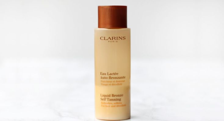 Clarins - Liquid Bronze Self Tanning http://www.shadesofghent.be/beauty/gezichtsverzorging/beauty-louises-skinecare-routine/