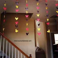 Google Image Result for http://marvelousmommy.com/wp-content/uploads/2013/04/%25C2%25A9Mickey-Mouse-garland.jpg
