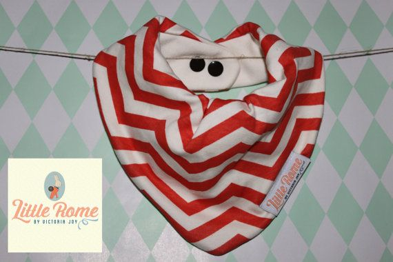 Little Rome's super absorbent 100% Organic cotton and bamboo pleated dribble bibs. Red Chevron. One size. 0-5 years