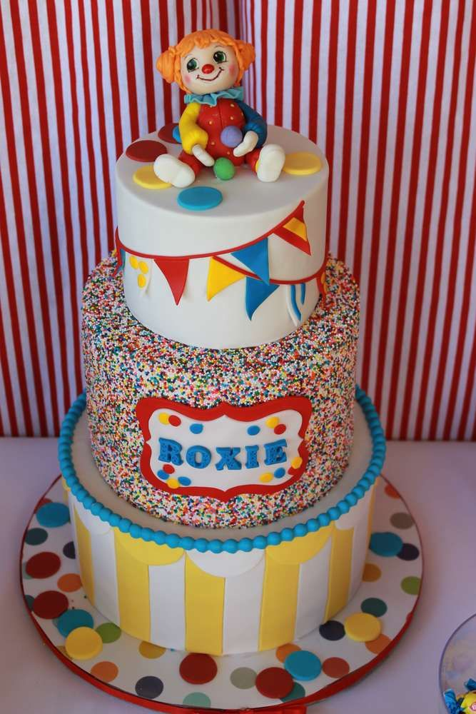 Circus clown birthday cakes