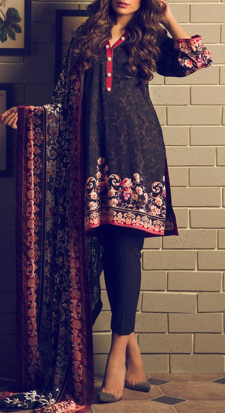Black Printed Viscose Dress Contact: (702) 751-3523 Email: info@pakrobe.com Skype: PakRobe