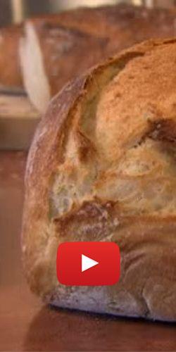 Faire un pain maison sans pétrissage.  http://rienquedugratuit.ca/videos/faire-un-pain-maison-sans-petrissage/