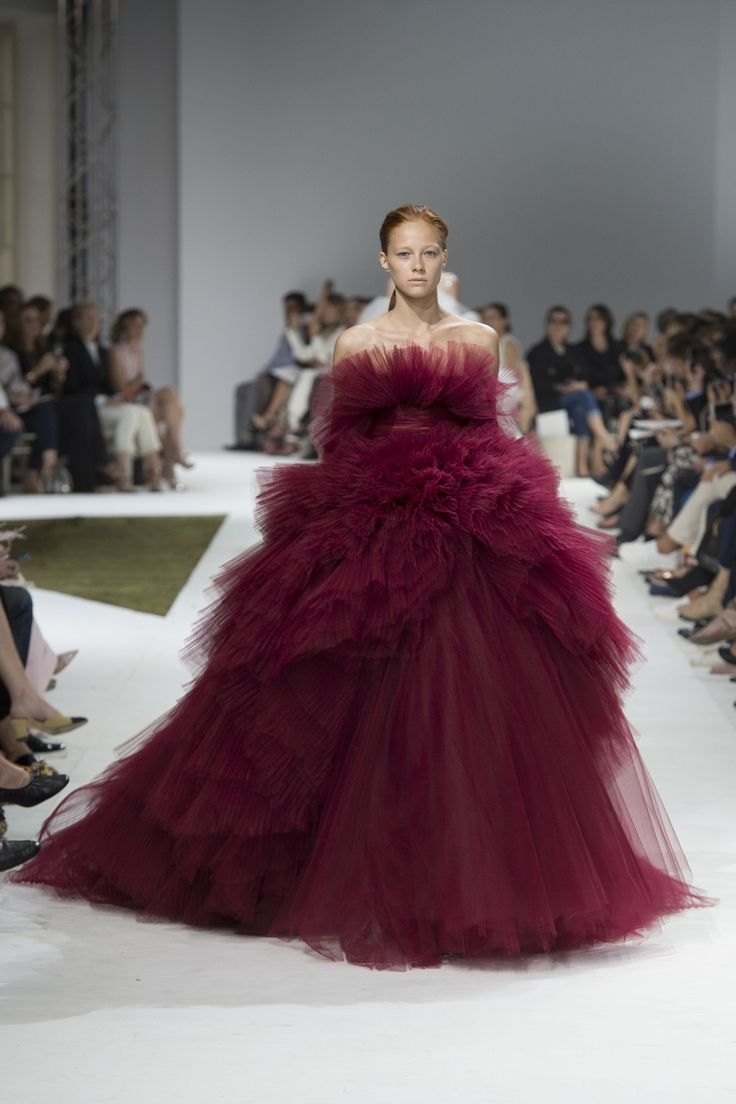 Giambattista Valli Fall 2016 Couture Collection Photos - Vogue