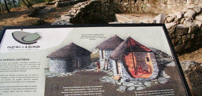 """A cultura CASTREXA abrangue en Galicia un longo período de tempo que vai dende a Idade do Ferro VI AC ata VI DC.  Os Castros serían """"Recintos fortificados de forma oval ou circular, provistos de un ou varios muros concéntricos, precedidos do seu correspondente foxo, e situados, os máis deles no cume de outeiros e montañas""""  Os antigos habitantes dos castros foron os celtas, pobo procedente das beiras do Caspio e do Cáucaso, e que nos trouxeron a técnica do ferro."""