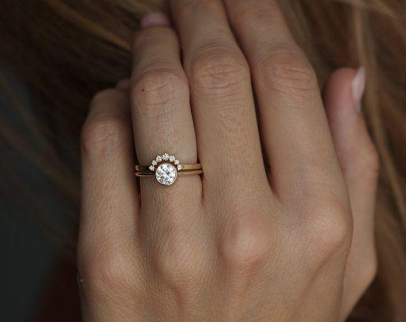Geel goud Diamond Ring met gebogen Diamond Band eenvoudige