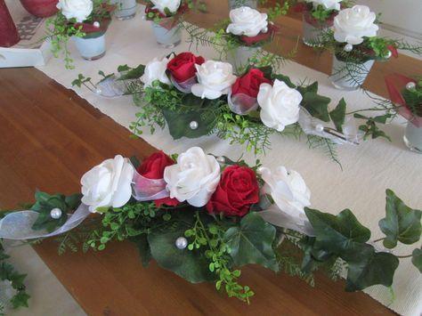 Tischdeko Hochzeit Ehrenplatz Deko Rosen Foamrosen Taufe Kommunion rot weiss in…