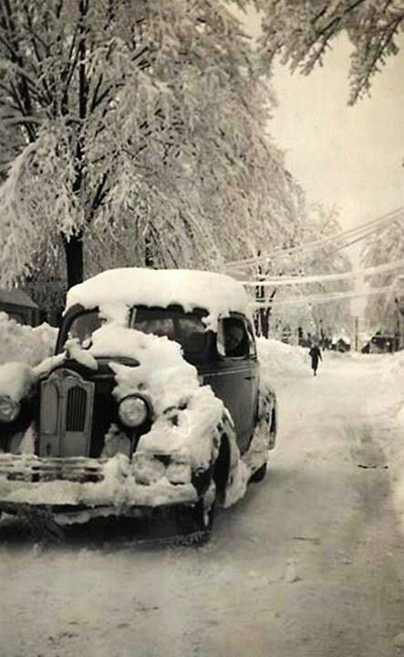 Vintage photo...the snow is coming! - old photos for Reminiscing for Alzheimer's and dementia