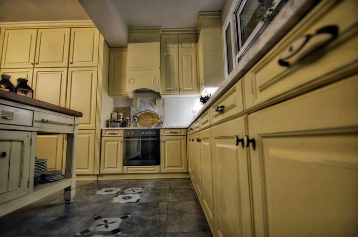 Classic kitchen. Handmade.  #kitchen#minimal#art #design#decor#interior #exterior#decoration#wood #furniture#επιπλα#ξυλο #κουζινα#Αθηνα#Ελλαδα #Κρητη#hotels#Greece #Athens#πορτα#door  #handmade#Κορινθος #Κορινθια#rooms#greek #classic#luxurydesign #classicdesign#castle