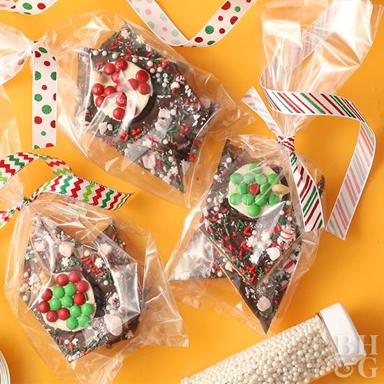 Doubling as a last-minute gift and a Christmas dessert, this holiday bark is made much cuter by topping with decorated sandwich cookies.