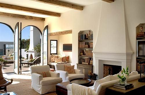Mediterranean living. Decoration influenced by the Spanish, French, Italian and Greek coasts.