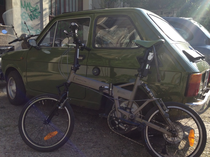 My green Dahon Jetstream p8 with a FIAT 126