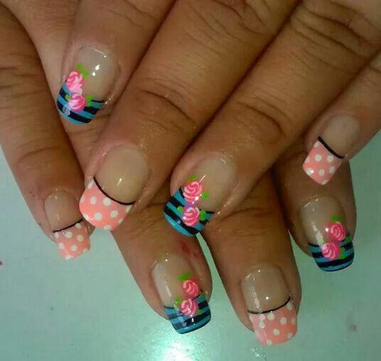 Uñas Nails puntos dots rayas flores