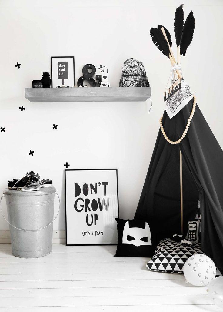 Jongenskamer zwart-wit | Black and white boys room | vtwonen 09-2017 | Fotografie Peggy Janssen