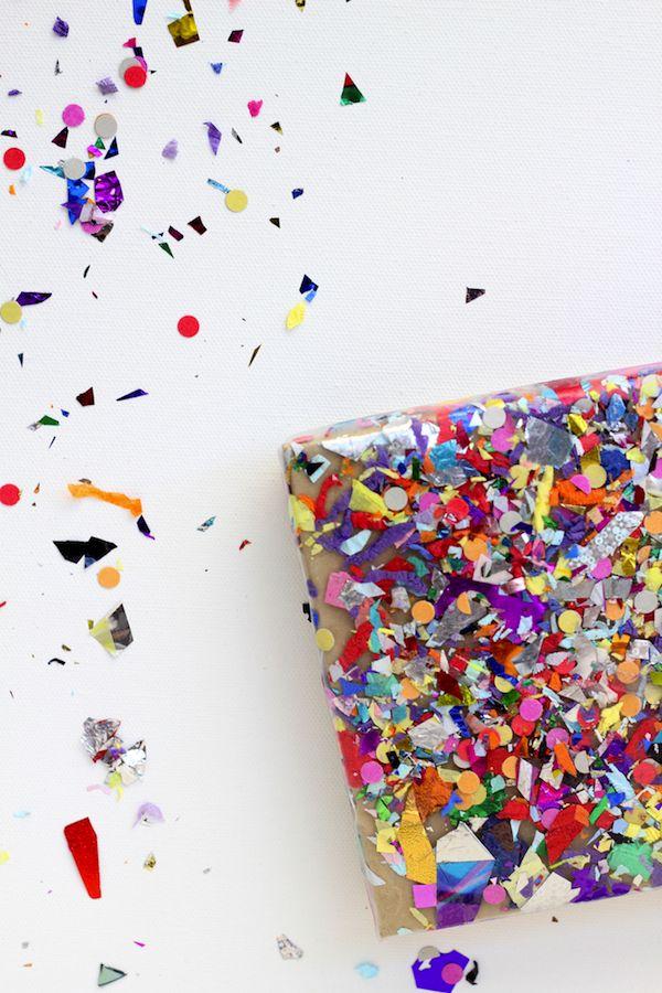 a confetti decorated package www.kidsdinge.com https://www.facebook.com/pages/kidsdingecom-Origineel-speelgoed-hebbedingen-voor-hippe-kids/160122710686387?sk=wall